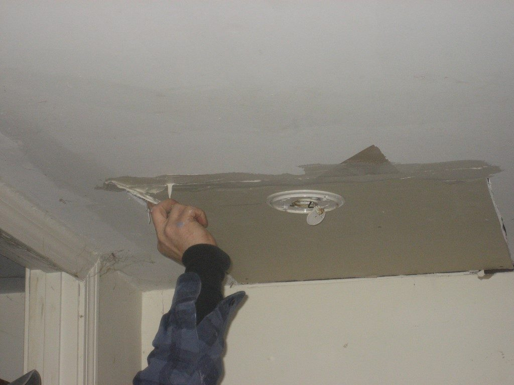 Wall and Ceiling Repairs - Repair Plaster Ceiling - Plaster Ceiling Repairs